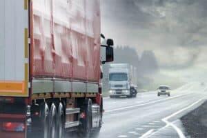 Lastbil som gör en långdistansflytt mellan Stockholm och Göteborg